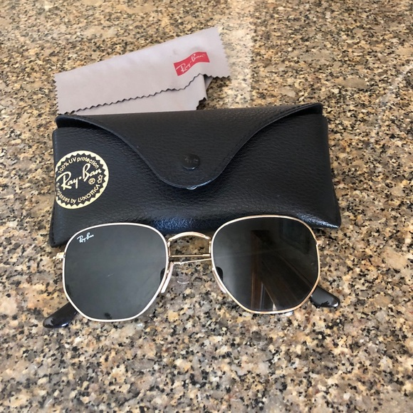 de4a9119067 Ray-Ban Hexagonal Flat Lens Glasses. M 5b840677b6a9428c5d87a949. Other  Accessories ...